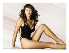Free sexy comics of celeb brunette - Famous Comics Olga Kurylenko nude
